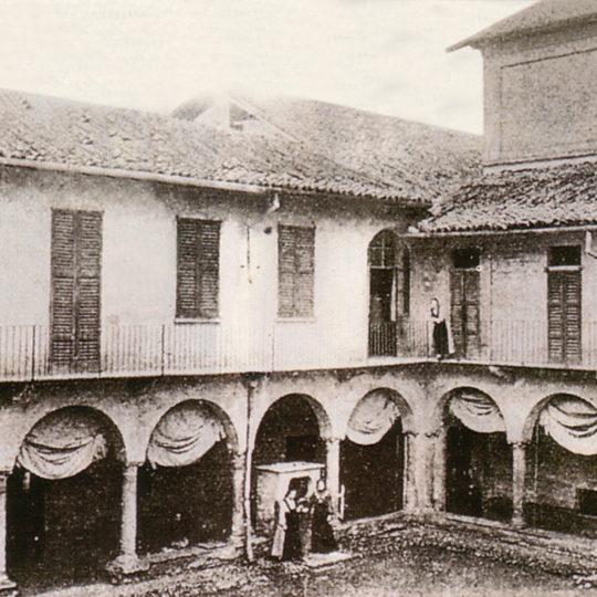http://www.museoduomomonza.it/wp-content/uploads/2016/12/convento_2-540x540.jpg